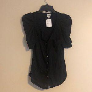 Tops - Black button down puff sleeve shirt